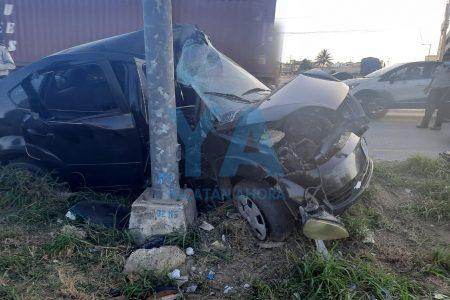Choque en peligroso retorno del Periférico: dos jóvenes policías de la SSP lesionados