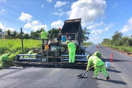 Avanza en 75 por ciento la rehabilitación de 59.3 km de la red federal de Yucatán