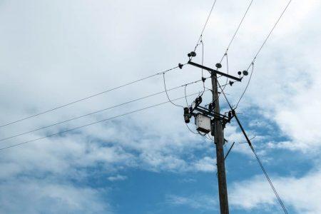 Acusan a la CFE de mentirle al pueblo: 10 horas sin luz en Chuburná