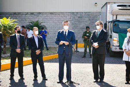 Cofepris autoriza el uso de emergencia para vacuna CanSino envasada en México