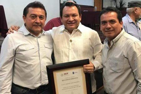 'Delfín' de Huacho Díaz Mena en Hunucmá quiere candidatura denigrando a su contrincante mujer