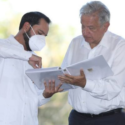 Mauricio Vila pide a AMLO concluir la vacunación de adultos mayores y continuar con los maestros yucatecos