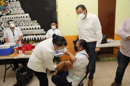 Inicia vacunación contra el Covid-19 en municipios del oriente y sur de Yucatán