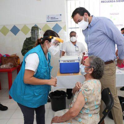 Adultos mayores de Tizimín y Maxcanú comenzaron a recibir la vacuna Covid-19