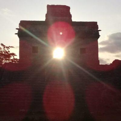 Kin, dios maya del Sol, marca el inicio de la primavera en Dzibilchaltún