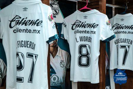 Lupita Worbis sigue en racha goleadora y guía el primer triunfo del Puebla femenil