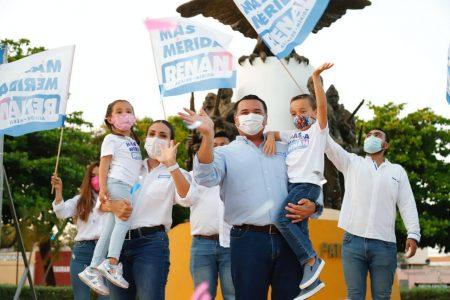 Soy el único candidato a la alcaldía de Mérida que no proviene del PRI: Renán Barrera