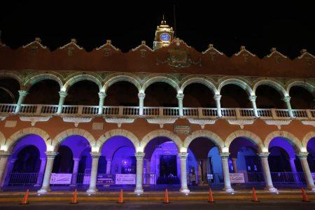 Iluminan de azul Palacio Municipal para concientizar sobre el autismo