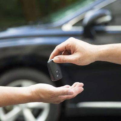 Alertan de pareja de estafadores que roba autos en Yucatán