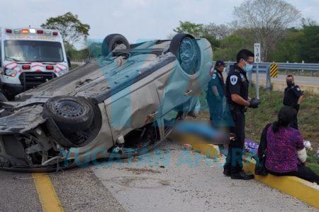 Tragedia en la Campeche-Mérida: se accidenta familia de Tabasco, fallece una menor