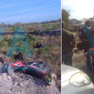 Camioneta atropella una moto con dos mujeres