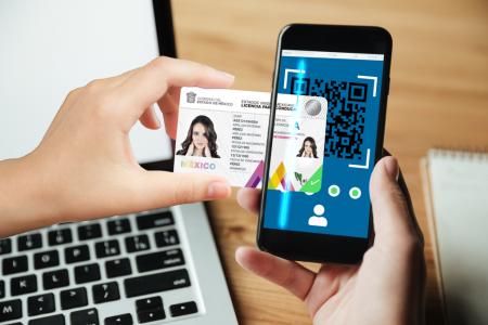 Inicia SCT expedición de licencia federal digital de conductor