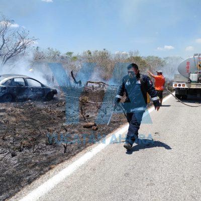 Volantea, se sale del camino y agarra fuego su vehículo