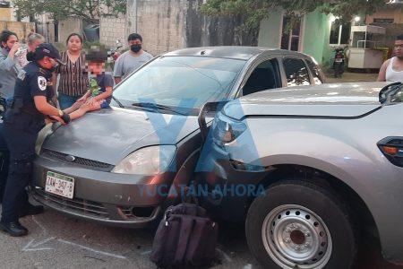Dos niños y un adulto lesionados en accidente en El Porvenir
