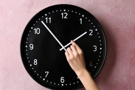 Este domingo 4 de abril inicia el horario de verano, deberás adelantar tu reloj una hora