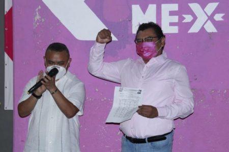 Roberto Morales se registra como candidato de Fuerza por México a la alcaldía de Tixkokob