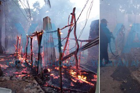 Incendio consume una casa en Ticul