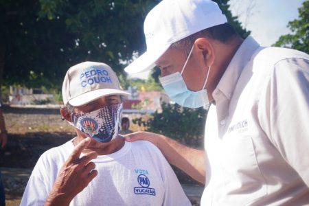 Maratónico segundo día de campaña de Pedro Couoh en Tizimín