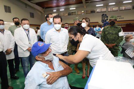 Más de 47,300 adultos mayores ya fueron vacunados contra Covid-19 en Mérida