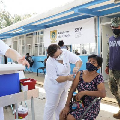 Inicia aplicación de la segunda dosis contra el Coronavirus a adultos mayores de 14 municipios del interior del estado