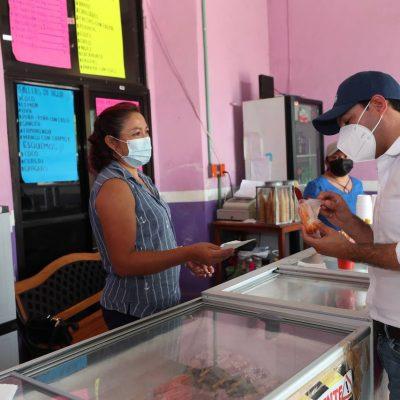 """El Gobernador Mauricio Vila visita """"La Tropical"""", popular nevería y paletería de Motul"""