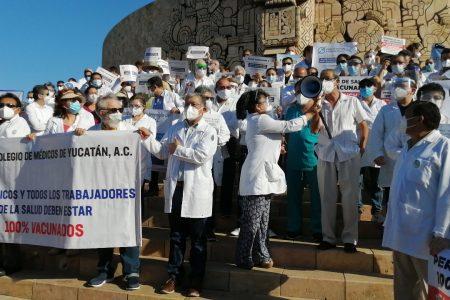 Médicos privados se niegan a ser humillados a cambio de vacunas contra Covid-19