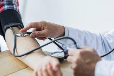 Más de dos mil defunciones por Covid-19, causadas por la hipertensión
