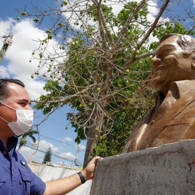 Supervisa el alcalde Renán Barrera obras en homenaje al fallecido compositor Armando Manzanero