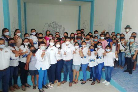 Karina Pacheco encabeza evento contra la violencia a la mujer