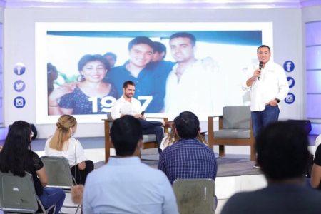 De ustedes depende el futuro de Mérida, señala Renán Barrera a primeros votantes