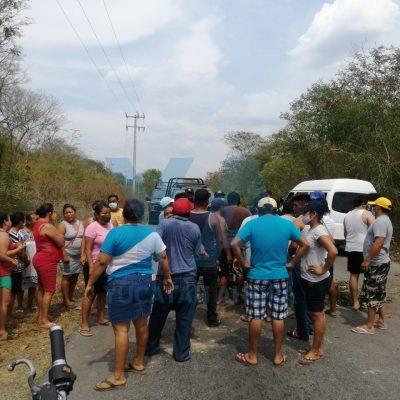 Cierran poblado de Yucatán por constantes fallas de la CFE