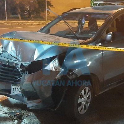 Camioneta no respeta el alto e impacta una moto en Mulsay: dos jóvenes heridos