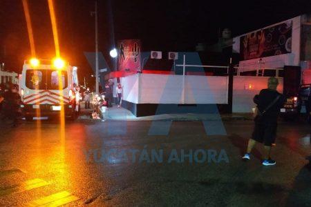 Agresión y balazos al aire, a las puertas de un bar de la avenida Mérida 2000