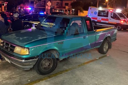 Adulto mayor fallece dentro de una camioneta, en Francisco de Montejo