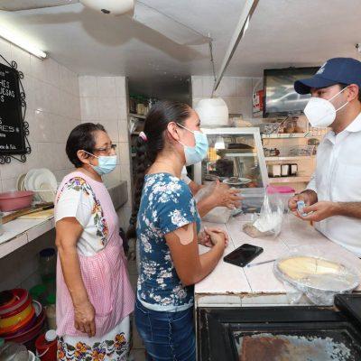 El Gobernador Mauricio Vila acude al mercado municipal de Izamal