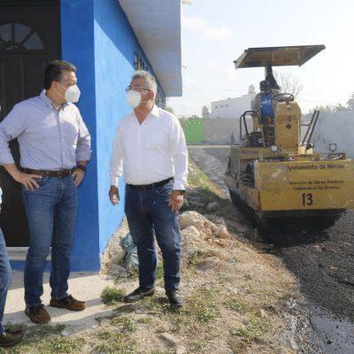 El alcalde Alejandro Ruz supervisa labores en el fraccionamiento Mulsay