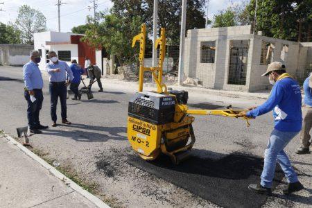 El Ayuntamiento avanza en las labores de bacheo en colonias y comisarías de Mérida