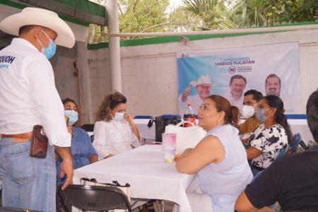 Pedro Couoh se compromete con la comunidad educativa de Tizimín