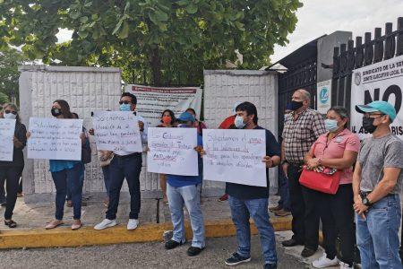 Trabajadores de Conagua toman las instalaciones: exigen uniformes, material y equipo de trabajo