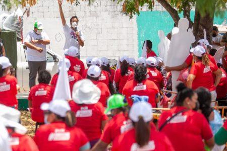 """""""¡Arriba Pablo, vamos a ganar!"""", le dicen a Gamboa Miner en el sur y poniente de Mérida"""