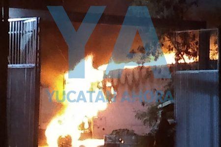 Se incendian dos camiones en un encierro en Xmatkuil