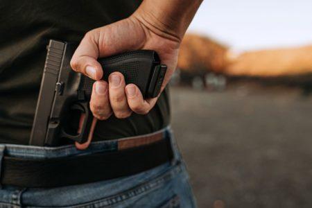 Tres detenidos por portación ilegal de armas: se hacían pasar por custodios sin los permisos de ley