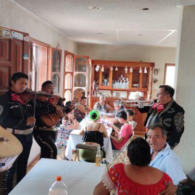 Celebran en Dzitás cumpleaños del profesor Venancio Chablé Herrera