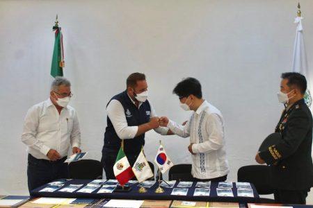 Embajada de Corea dona 10 mil cubrebocas al Ayuntamiento de Mérida