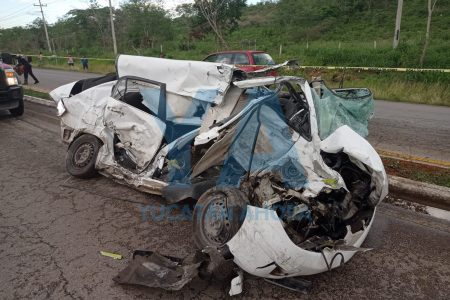 Dormita y choca contra un autobús del Venadito: cinco lesionados, uno de ellos grave