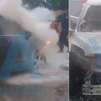 Se quema vehículo frente al módulo de vacunas de Tecnológico