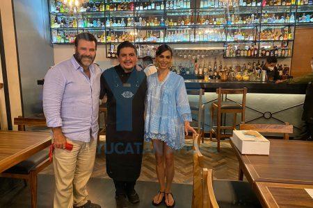Biby Gaytán y Eduardo Capetillo, de visita por Yucatán: ayer comieron en restaurante del centro histórico de Mérida