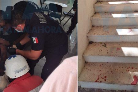 Intruso le causa 14 heridas con un cuchillo de cocina