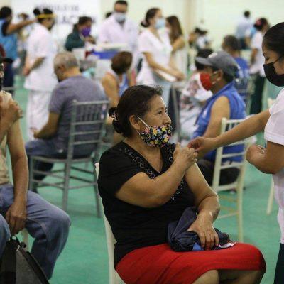Continúa con normalidad y orden la vacunación en Mérida