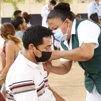 Comienzan a vacunar a yucatecos de 40 a 49 en 31 municipios del interior del estado